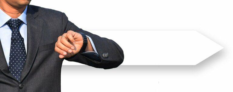 businessman, suit, clock-4279254.jpg